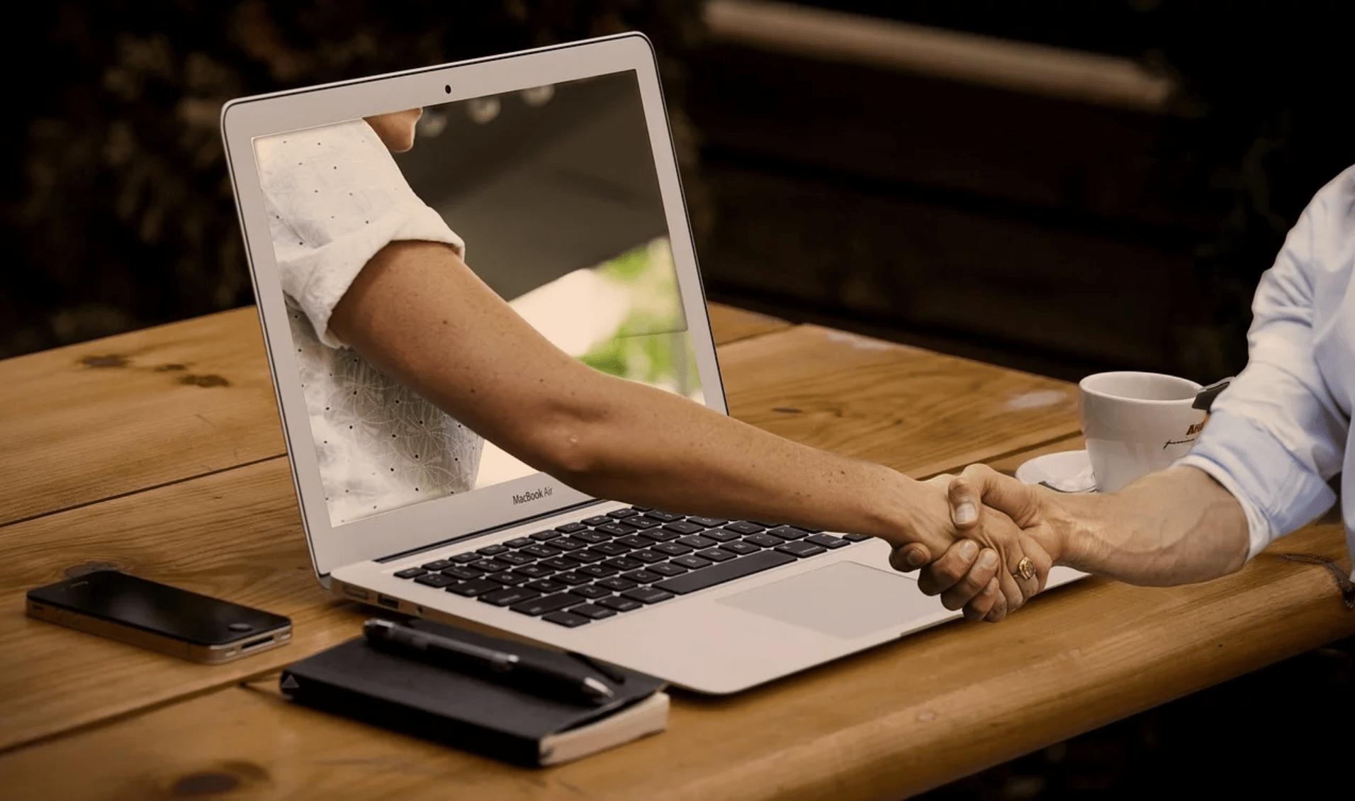 engagement sur réseaux sociaux-min